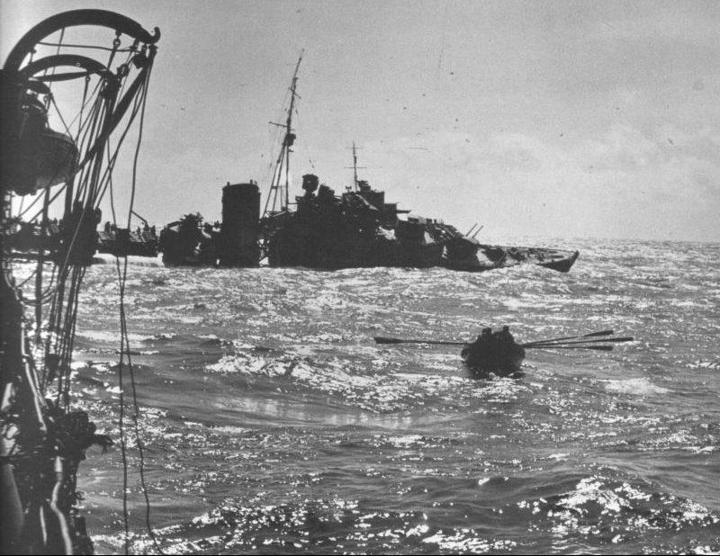 Эсминец «Келли», торпедированный в Северном море. Май 1940 г.