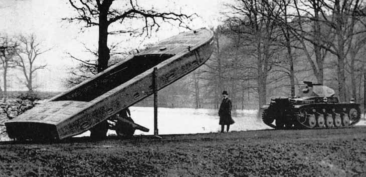 Цельный поплавок для плавающего танка.
