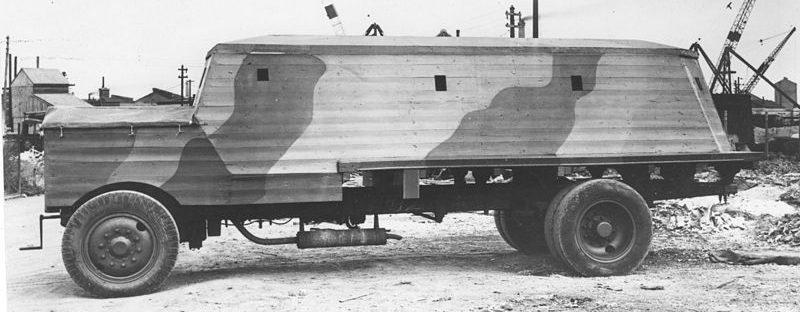 Бетонный бронированный грузовик «Bison» - мобильный ДОТ для защиты аэродромов.