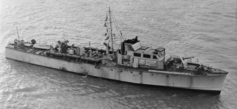 Патрульный катер ML 106 типа «Фэйрмайл» у побережья Великобритании. 1941 г.