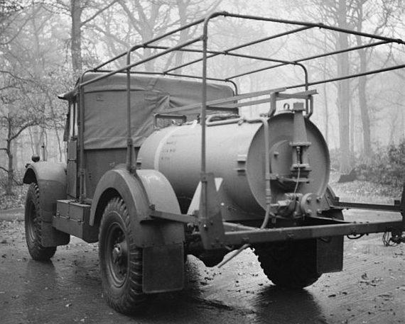Автомобиль для массового заражения отравляющими веществами.