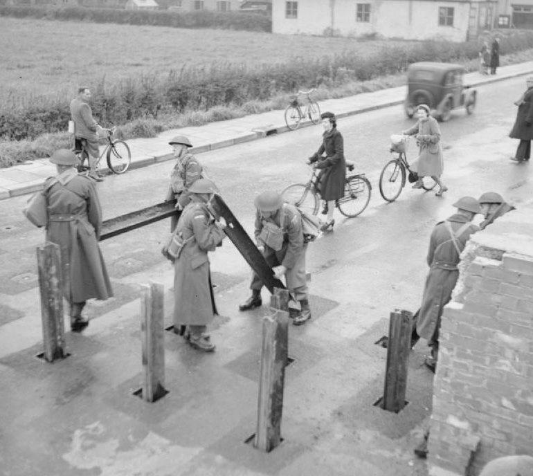Ополчение в Йорке готовит блокпост. 2 ноября 1941 г.