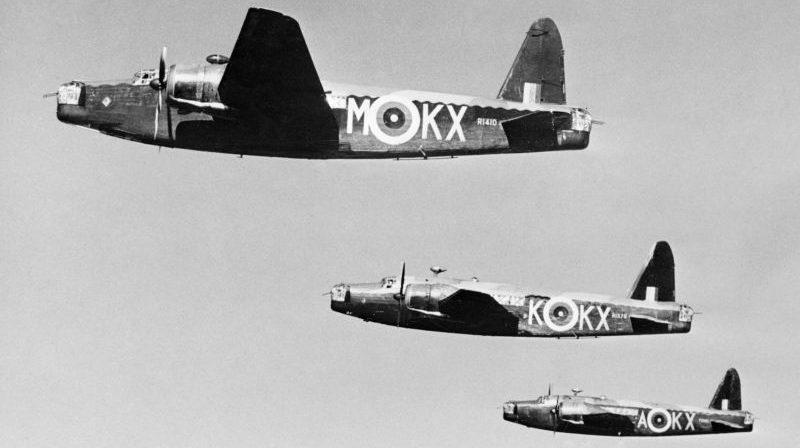 Бомбардировщики «Веллингтон» Mk.IC в полете. Март 1941 г.