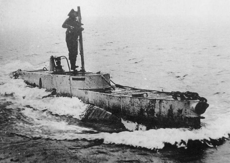Сверхмалая подводная лодка типа Х в надводном положении. 1941 г.