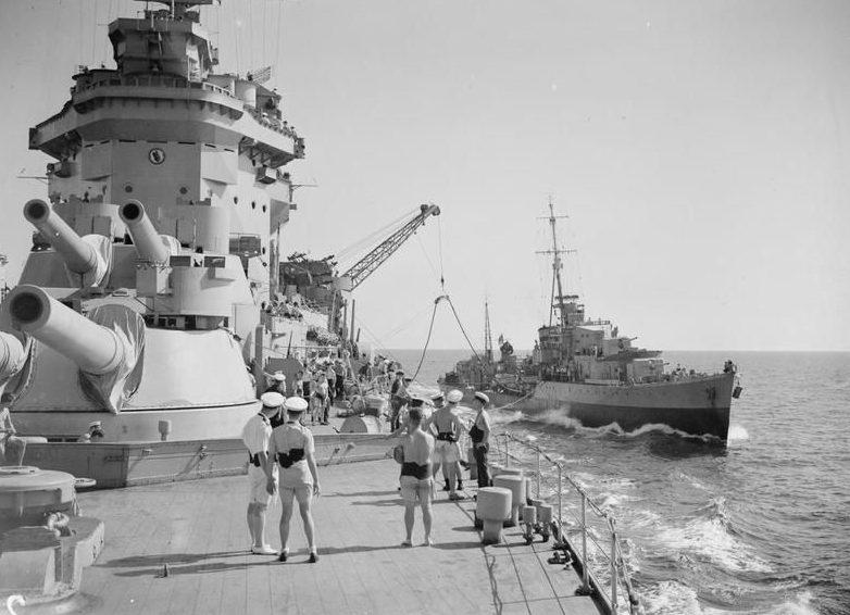 Линкор «Warsposit» в Средиземном море. 1941 г.