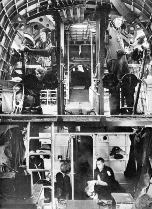 Интерьер самолета-амфибии Шорт «Сандерленд». 1941 г.