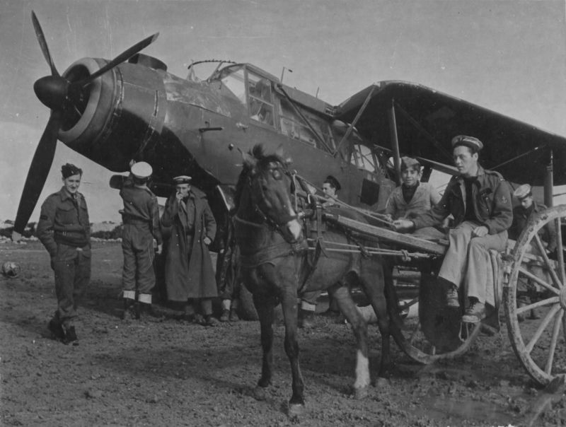 Торпедоносец «Фэйри Альбакор» на аэродроме Мальты. 1942 г.