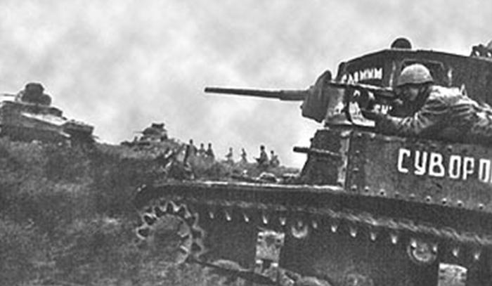 Танк М-3 с именем «Суворов» в районе Сталинграда. 1943 г.