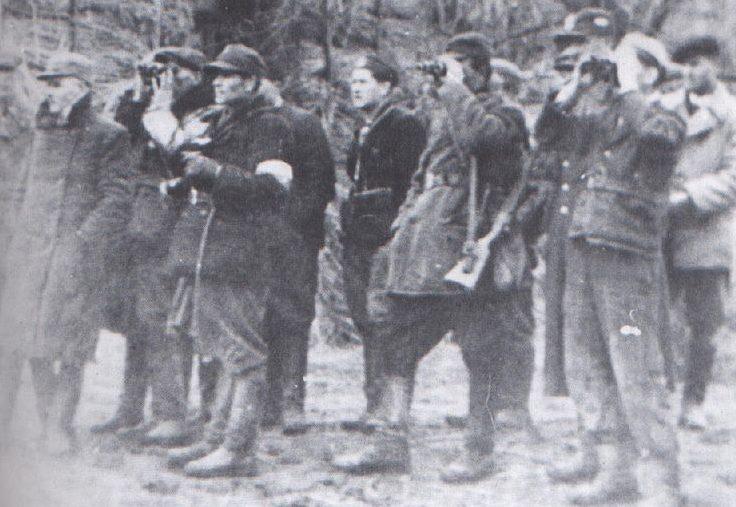 Боевики Армии Крайовой перед нападением на Сагринь.