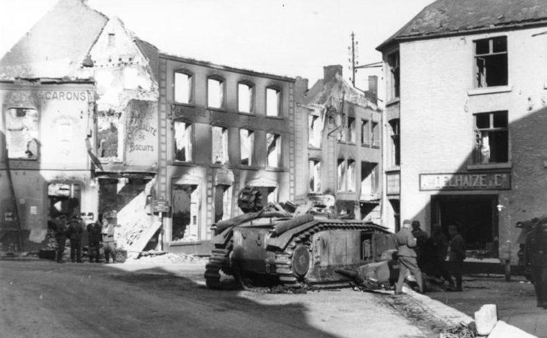 Уничтоженные французские танки в Бомоне.