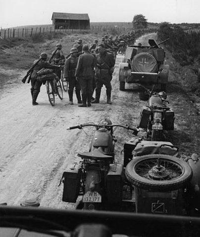 Немецкие солдаты в Бельгии.