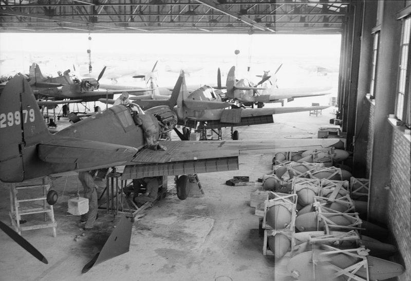 Сборка истребителей P-40 в Иране для СССР. Декабрь 1942 г.