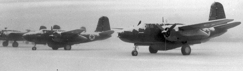 Американские бомбардировщики А-20 «Бостон» на аэродроме на Аляске перед отправкой в СССР. 1942 г.