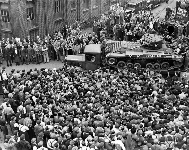«Валентайн» «Сталин» отправляется в СССР по программе ленд-лиза. 1942 г.