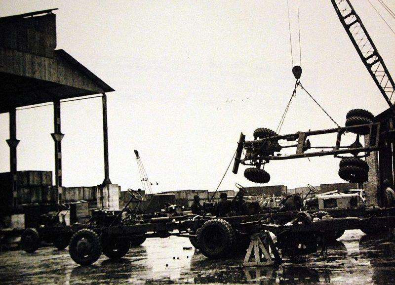 Автосборочный завод машин, поставляемых в СССР по Ленд-лизу. Иран,1942 г.