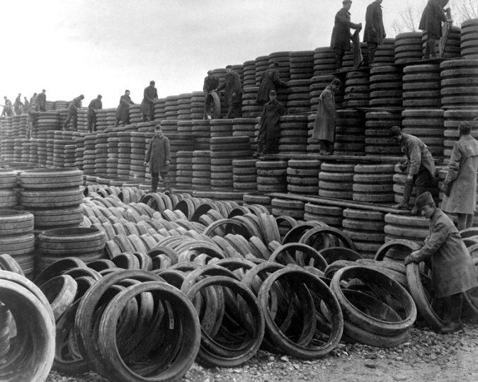 Автомобильные шины, поставляемые в СССР по Ленд-лизу. 1942 г.