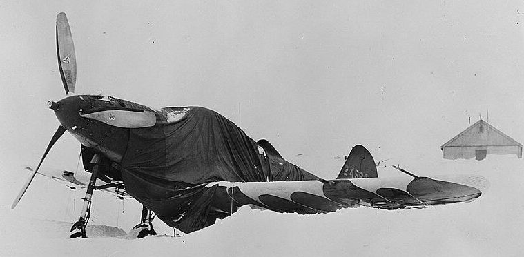 Истребитель P-39N на аэродроме в Номе. Аляска, 1943 г.