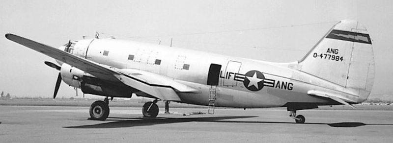 Двухмоторный транспортный самолет Кёртисс C-46 «Коммандо», поставляемый в СССР. 1943 г.