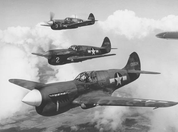 Американские истребители Кертисс P-40 «Уорхок», поставляемые в СССР. 1943 г.