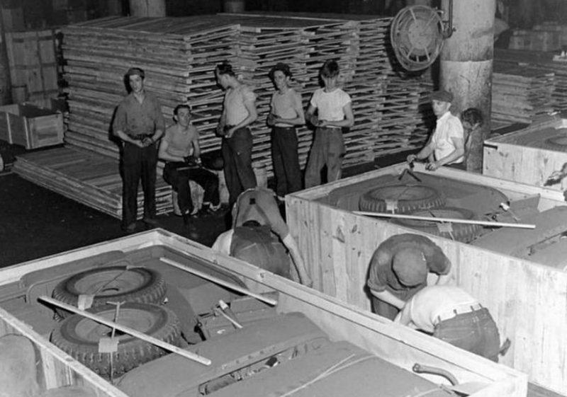 Контейнеры, в которые упаковывались «Виллисы» для отгрузки в СССР. 1943 г.