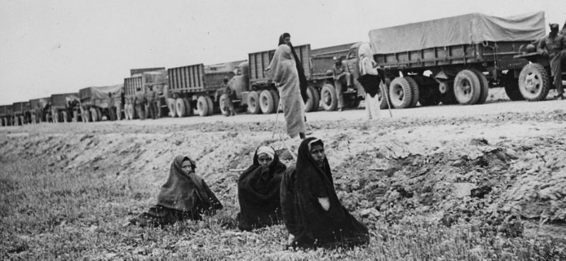 Студебеккеры в Иране по пути в СССР. Июнь 1943 г.