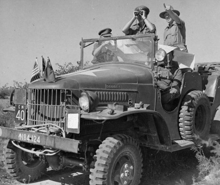 Американский автомобиль Dodge на службе в Британской армии. Бирма, январь 1945 г.