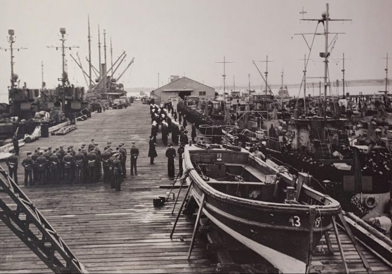 Советские моряки в Холодной бухте. Май 1945 г.