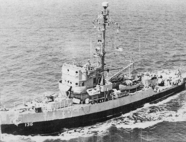 Тральщик USS Admirable AM-136, ставший Т-331 в ВМФ СССР. Июль 1945 г.