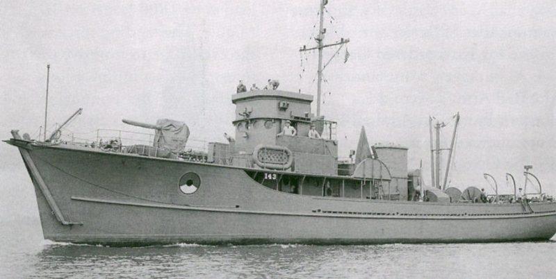 Вспомогательный моторный тральщик USS YMS-143, ставший Т-522 в ВМФ СССР. Июль 1945 г.