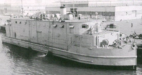 Плавучая мастерская USS типа YR, переданная СССР. Июль 1945 г.